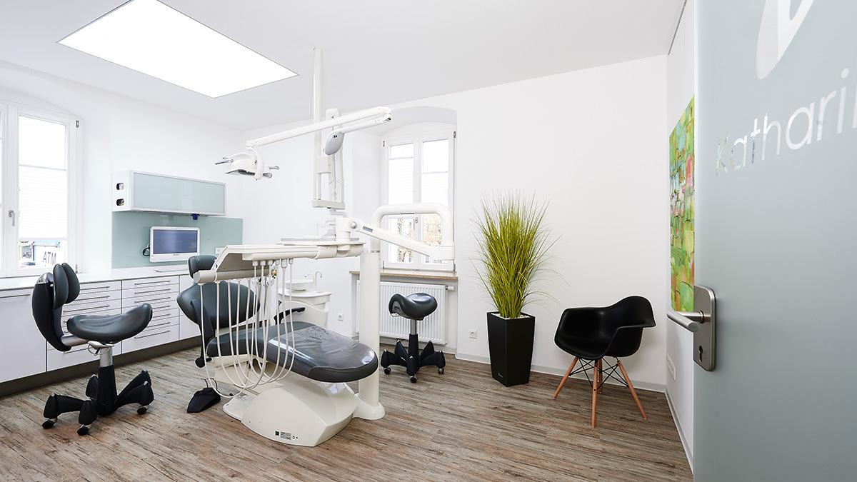 Wunsiedel Praxis Zahnarzt Behandlungszimmer Katharinenberg